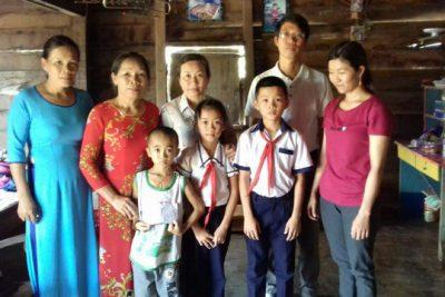 Trường tiểu học Lý Thường Kiệt ủng hộ học sinh bệnh hiểm nghèo